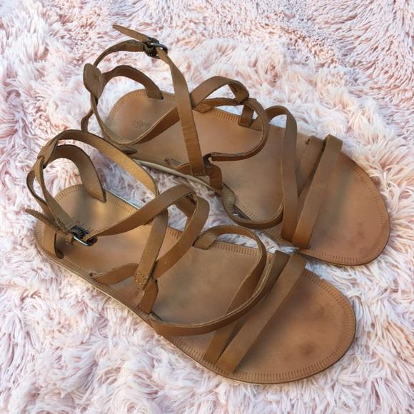 bb47d6995 olukai poiu strappy leather sandals size 9. M 5aba72509cc7efd490f586f3